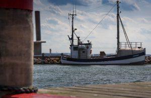 fishing-vessel-2777644